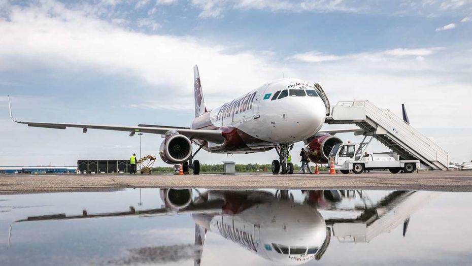 Самолет Airbus A320 авиакомпании FlyAristan