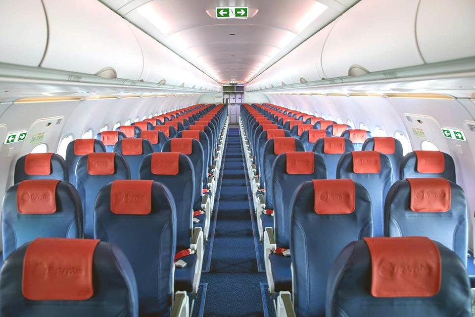 Фото пассажирского салона в самолете A320 авиакомпании FlyArystan